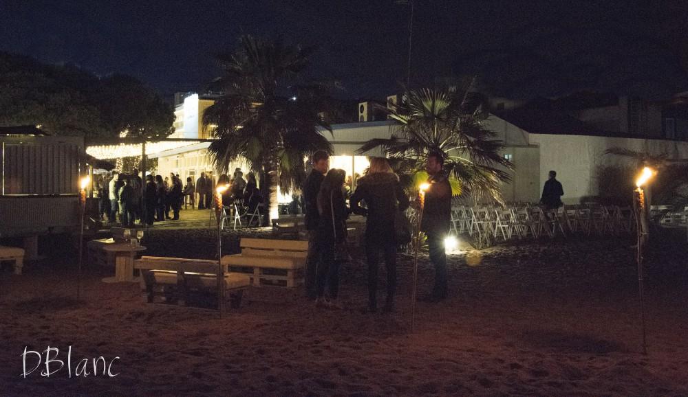 La fiesta en la boda en la playa