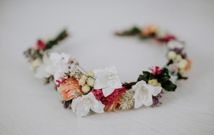 coronas de flores para novias